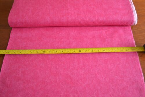 Marbled Hot-Pink Quilting Cotton B1099 By 1//2 Yd