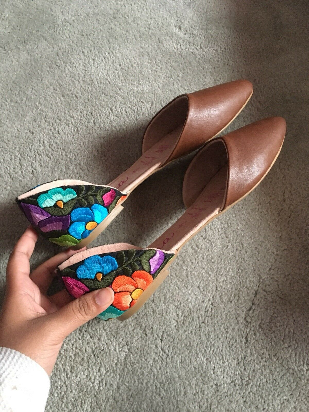 Marronee Leather Flat w    Floral Ricamo.Made in Mexico.  acquisti online