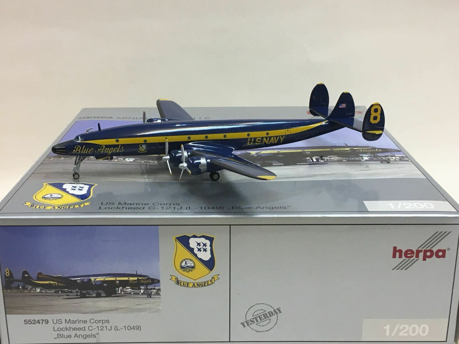 Herpa 1:200 US Marine Corps Lockheed C-121J (L-1049) Azul Angels 552479