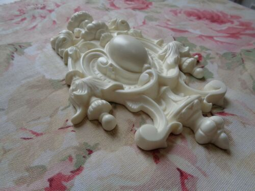 New French Rococo Acanthus Center Furniture Applique Pediment Beautiful