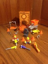 Handy Manny City Hall w / Figures Tools Rusty Turner Felipe Jack Hammer and MORE