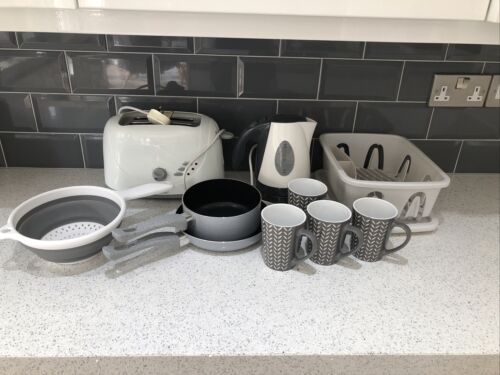 Caravan Kitchen Bundles Accessories . Kettle Toaster Cups
