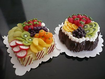 SET OF 2 FRUIT CAKES DOLLHOUSE MINIATURES FOOD  SUPPLY DECO BARBIE