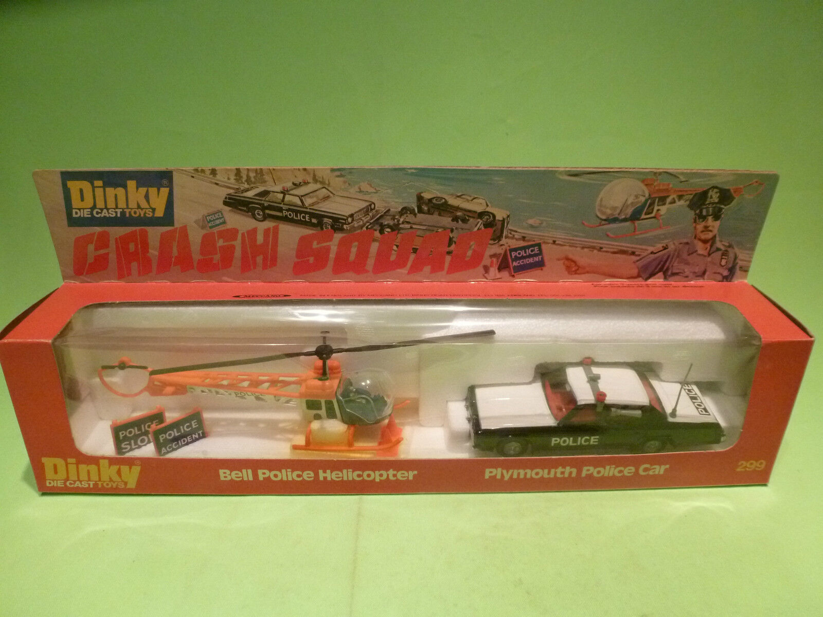 DINKY TOYS 299 CRASH SQUAD PLYMOUTH + HELICOPTER POLICE  - RARE SELTEN - IN BOX
