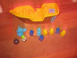 Bon CœUr Mega Bloks Bateau Pirate Musique Sons Cannon Play Figure Assort Construire Briques-afficher Le Titre D'origine