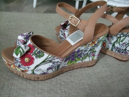 Clarks Sandals, Platform Wedge, Floral, Cute, Size