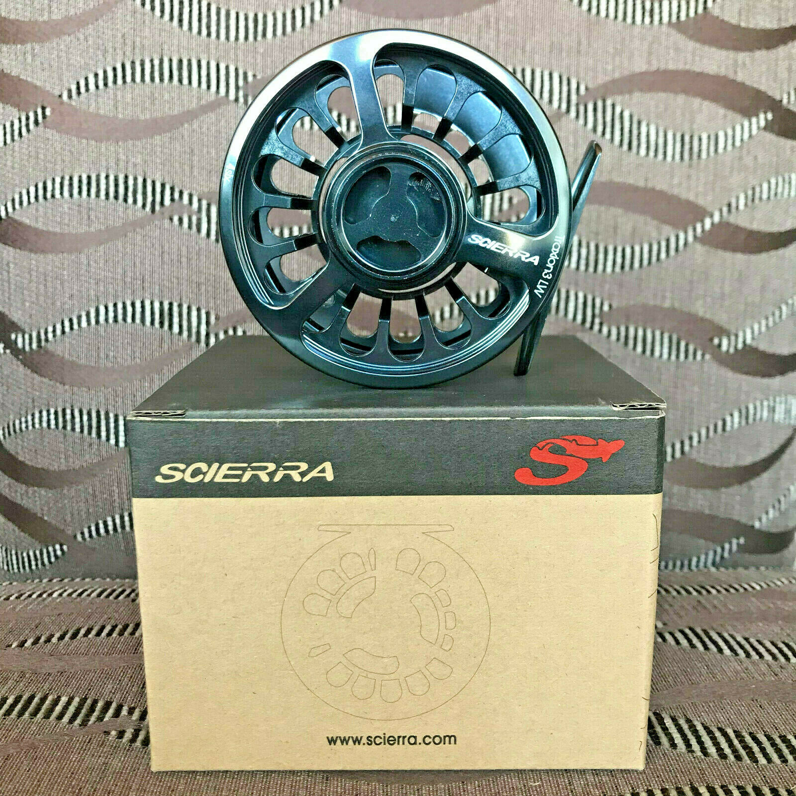 Scierra Traxion 3 LW fly Reel  4 6 Gunsmoke moscas papel