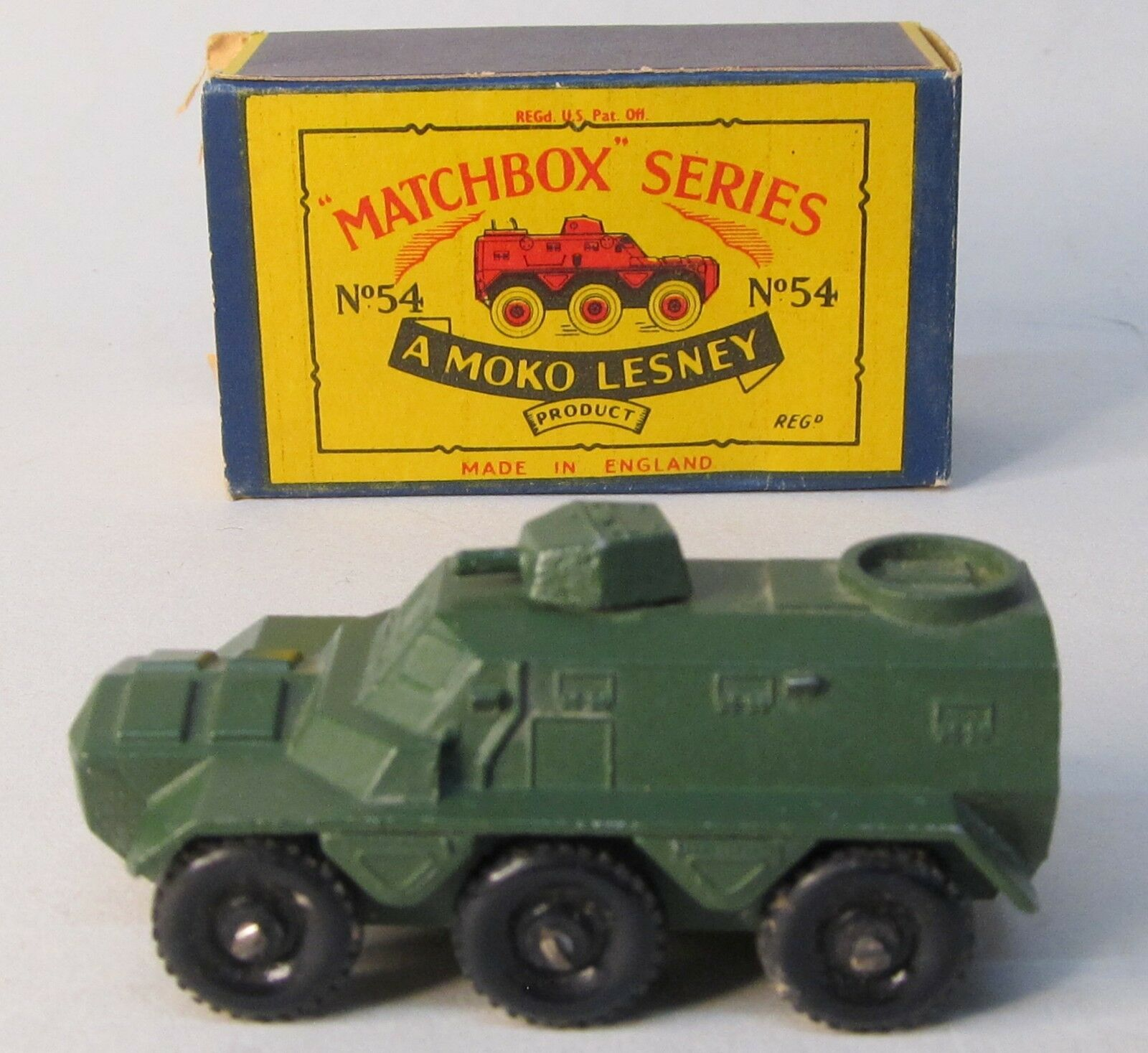 Matchbox SARACEN PERSONNELL CARRIER military Flat Green  in Type B3 box
