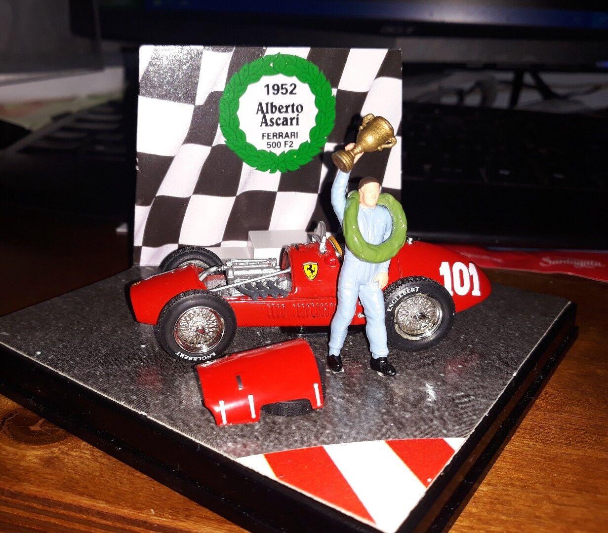 Quartzo 1 43 Ferrari 500 F2 World Champion 1952 Alberto Ascari QWC99008