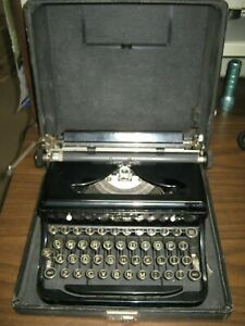 Vintage-Royal-Touch-Control-Portable-Manuel-Typewriter-w-Case-Glass-Keys-USA