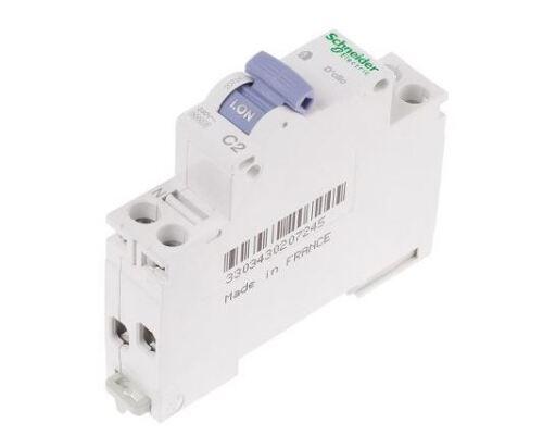 boite x 12 20724 Disjoncteur D/'clic 1p+N 2A Schneider