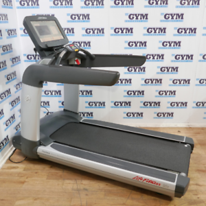 Life Fitness Refurbished 95T Elevation Series Discover SE Treadmill