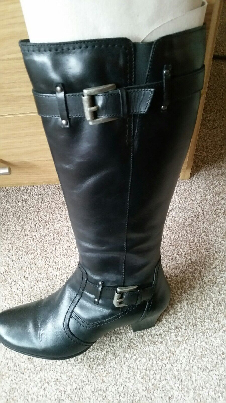 Womans boots size 5 used