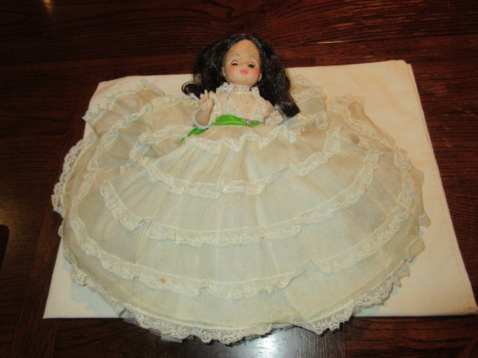 Dolls, Girl. Victorian Dressed