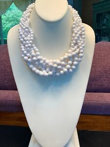Vintage-White-Woven-Chinky-Lucite-large-beaded-bib-statement-necklace-18-Long