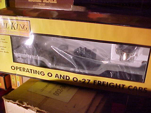 MTH------CONRAIL OPERATING DEPRESSED FLATCAR WITH SEARCHLIGHT