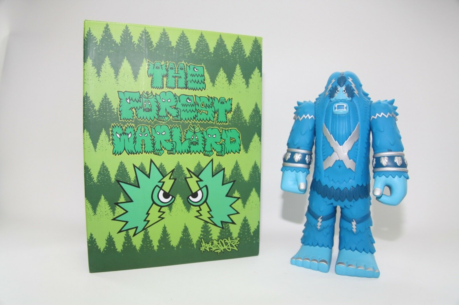 grande foot Vinyl -The Forest Forest Forest Warlord- Rare Collectible blu Edition 11  d53b37