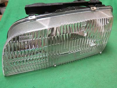 Genuine GM Parts 16524847 Driver Side Headlight Assembly Composite Genuine General Motors Parts