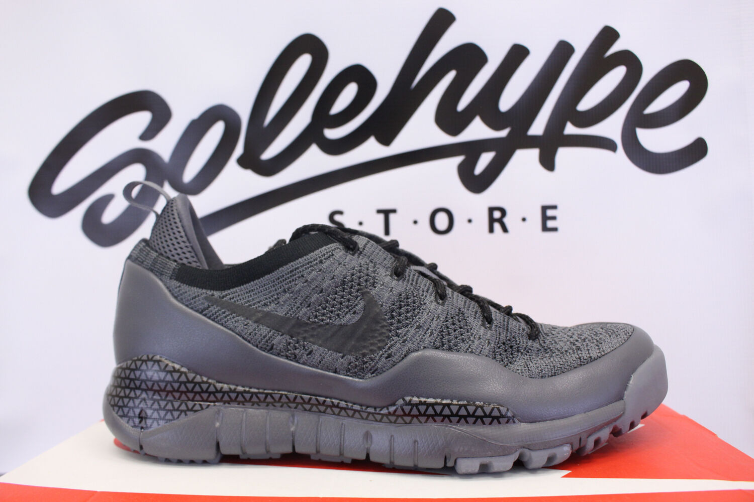 NIKE LUPINEK FLYKNIT LOW DARK COOL GREY BLACK 882685 001 SZ 9