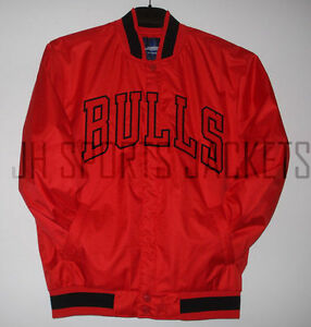 Size XLG NBA Chicago Bulls Polyester Jacket Red JH Design New XL