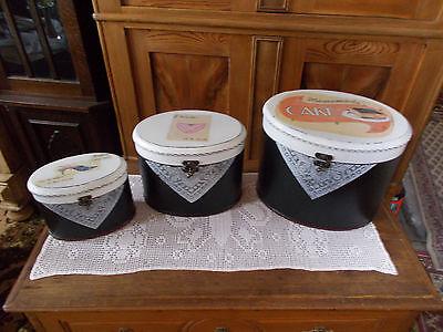 Drei SchÖne Koffer In Einer Ovalen Form StraßEnpreis