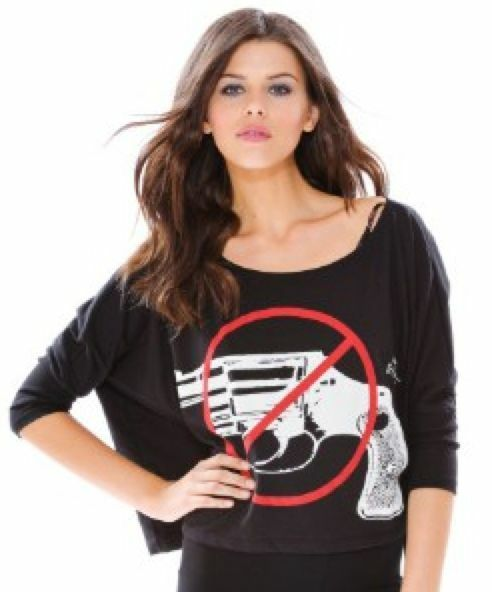 BETSEY JOHNSON No Guns Biggie Tee Shirt schwarz Top Gun