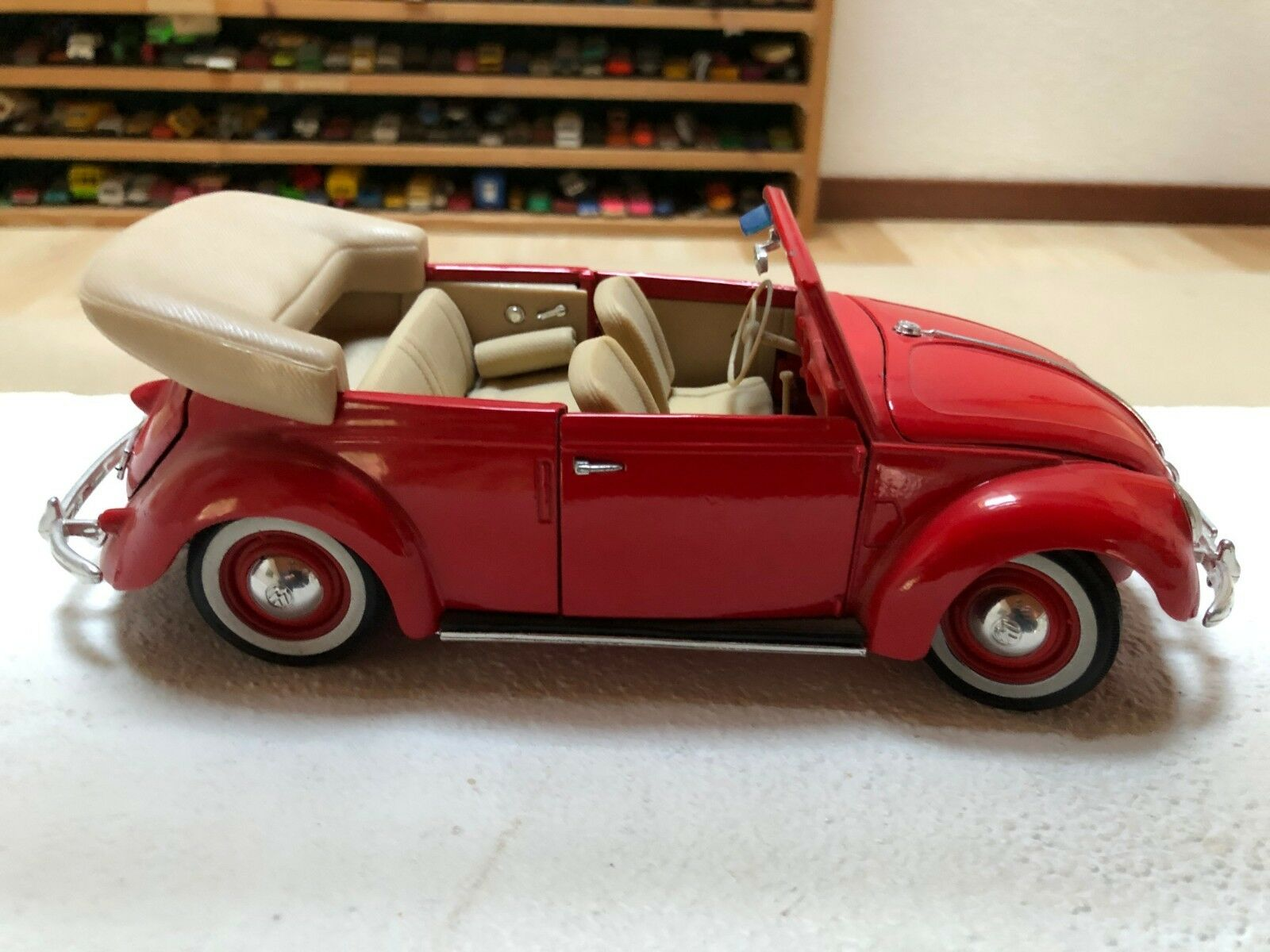 Maisto VW Volkswagen Beetle 1951 Scale 1 18 CABRIOLET RED