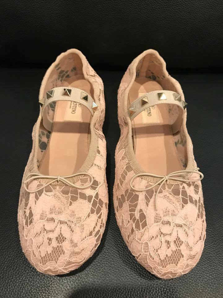NIB NIB NIB Valentino Rockstud Nude Pink Mesh Lace Classic Ballet Ballerina Flat 35  545 e34b3b