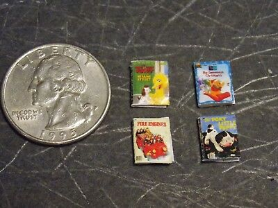 Dollhouse Miniature Christmas Books 1:24 Half inch scale 1//2 H133 Dollys Gallery