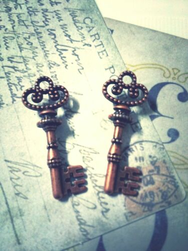 25 Skeleton Key Pendants Steampunk Antiqued Copper Charms Findings 2 Sided