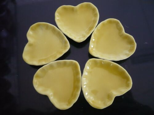 Yellow Heart Plate Dollhouse Miniatures Ceramic Supply Food 5x3.50 cm