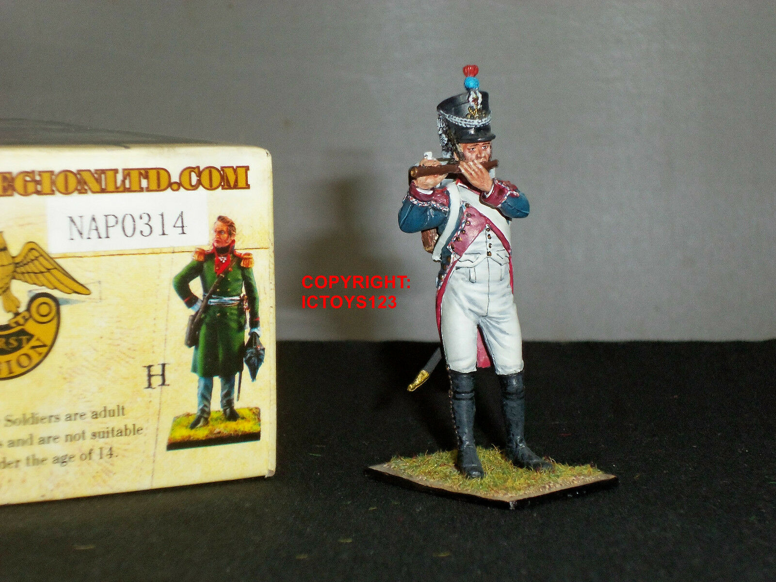 FIRST LEGION NAP0314 FRENCH 18TH LINE INFANTRY PIPER METAL TOY SOLDIER FIGURE