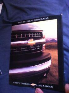 1999-Chevy-Chevrolet-Silverado-Launch-Color-Brochure-Catalog-Prospekt