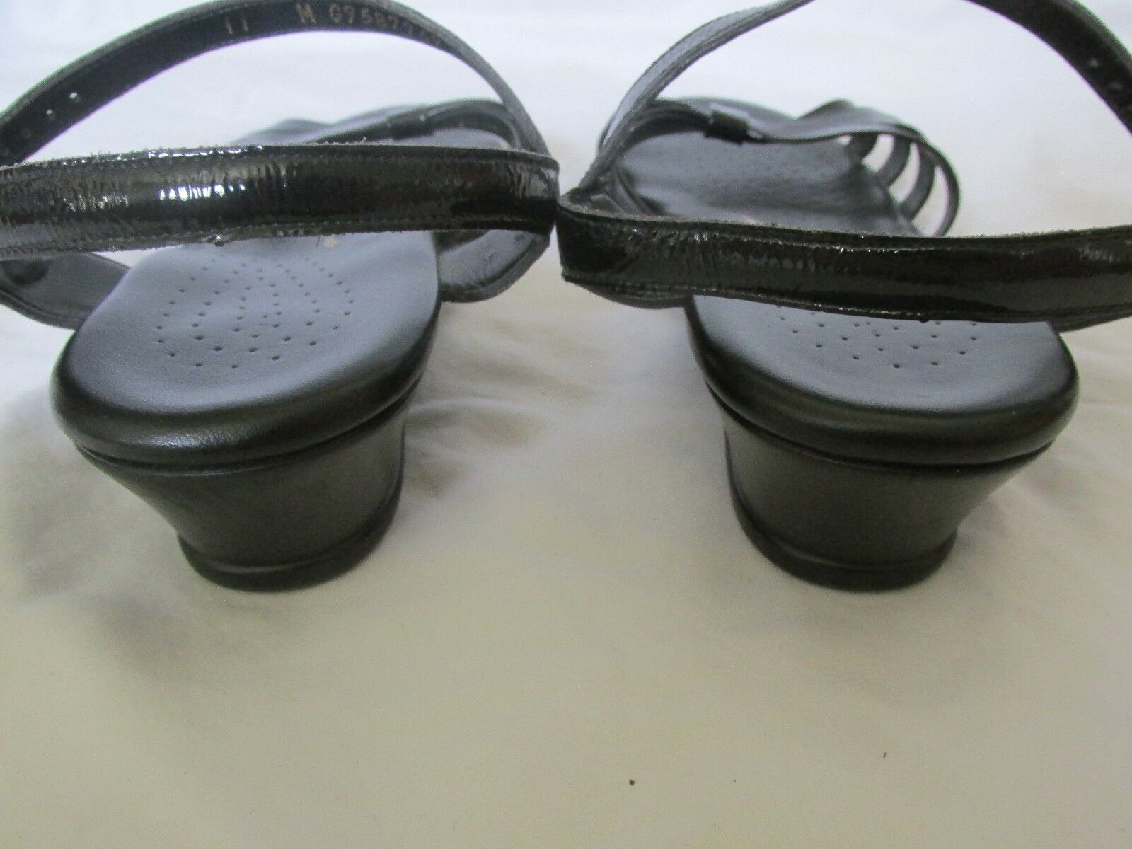 Donna  SAS Tripad Comfort Comfort Comfort nero Patent Leather Strappy Sandals Dimensione 11 in EUC   bc7d86