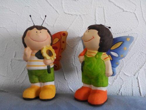 141 Kind mit Blume und Schmetterlingsflügel aus Keramik 17,5 cm hochNr