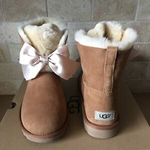 Ugg Details Chestnut Suede Fur Gita 5 Bailey Ankle About Womens Satin Boots Size Short Bow WDI29EH