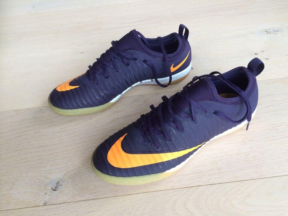 Fodboldsko, Indendørs, Nike – dba.dk – Køb og Salg af Nyt og