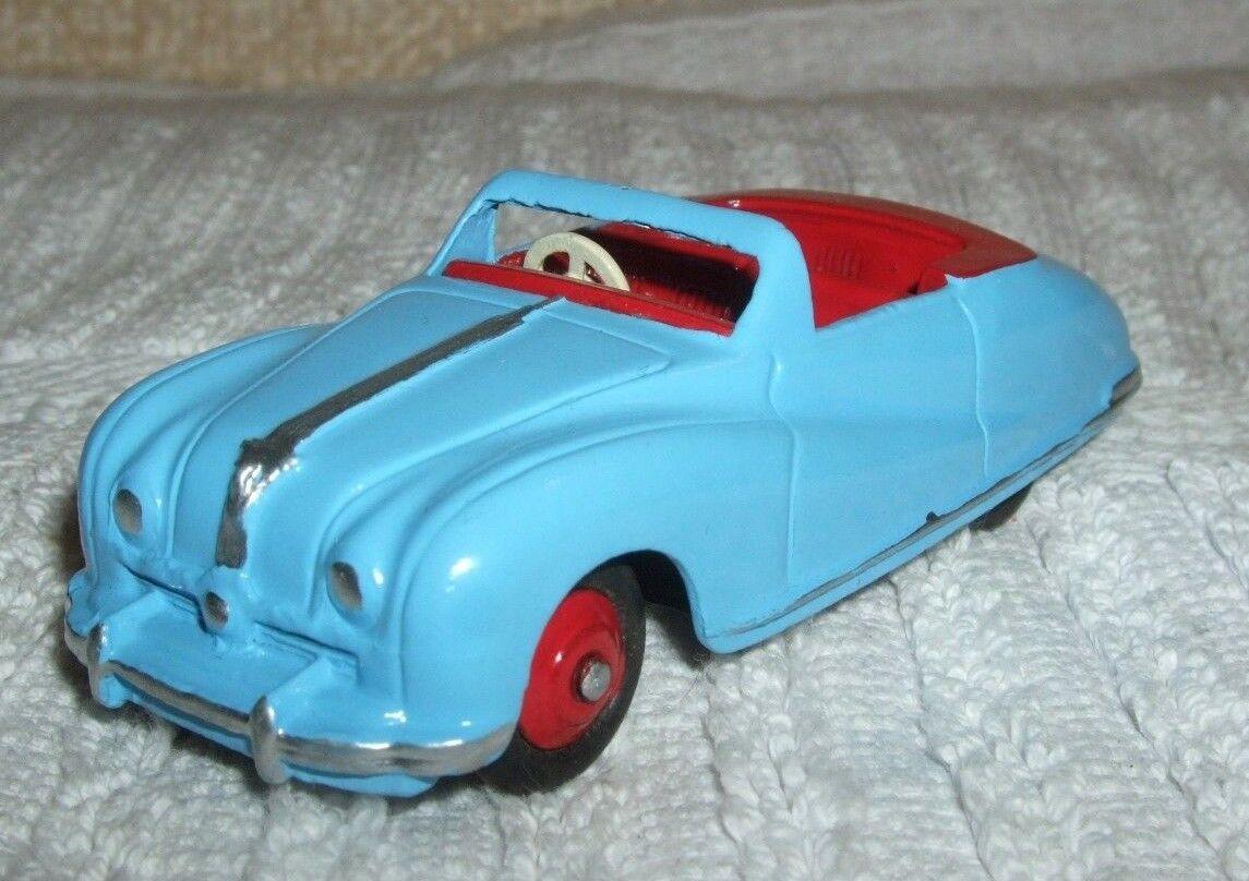 Dinky vintage modèle (couleur rare)  AUSTIN A90 ATLANTIC  Cat No 140 A-utilisé