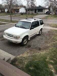 2000 Ford Explorer limited edition