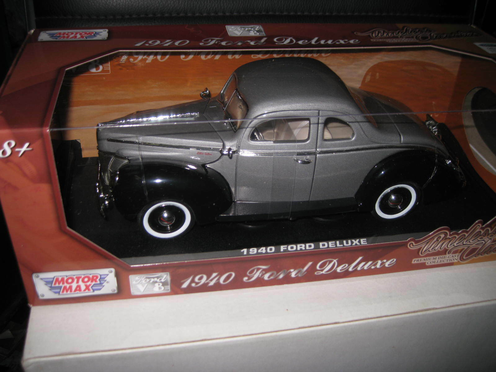 1.18 MOTOR MAX 1940 FORD DELUXE COUPE TIMELESS CLASSICS COLLECTION TC