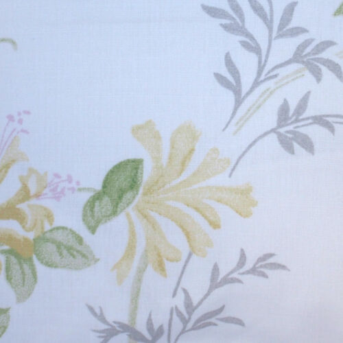 Honeysuckle Trail Chamomile Set of 4 Laura Ashley 9  x 9  fabric off cuts