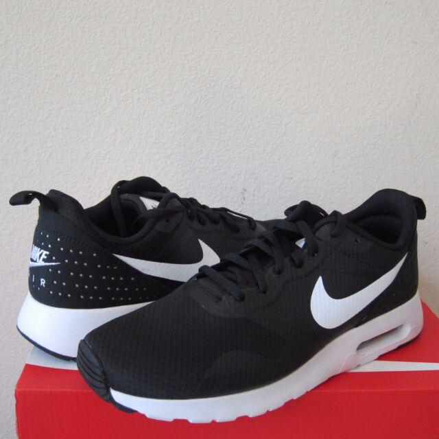 Nike Men's Air Max Tavas Sneaker
