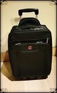 Mint swissgear geneva 20 black carry on luggage 15 compartments w garment red ebay for Swissgear geneva 19