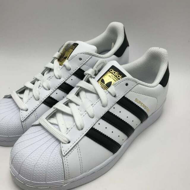 lowest price 5619e fc6ac NEW ADIDAS YOUTH ORIGINALS SUPERSTAR J GS C77154 WHITEBLACKWHITE