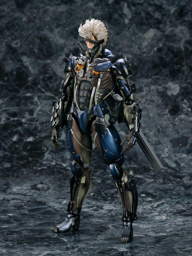 Raiden Metal Gear Solid Rising Revengeance Play Arts Kai Figura SQUARE ENIX