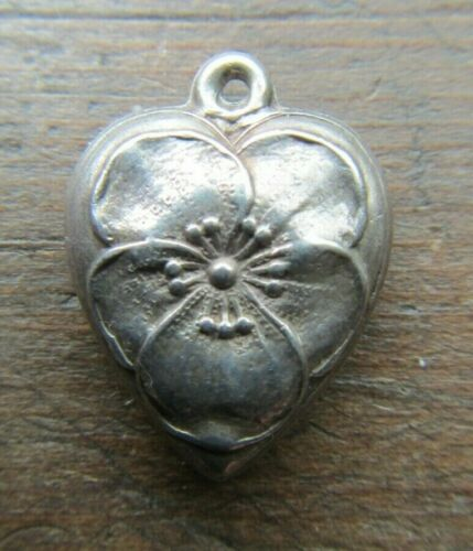 VINTAGE 1940's Sterling Silver Puffy Heart Charm~P