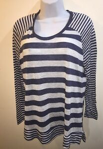 RUE 21  WOMEN/'S  STRIPED TOP//blouse Long Sleeves  Size 2XL New