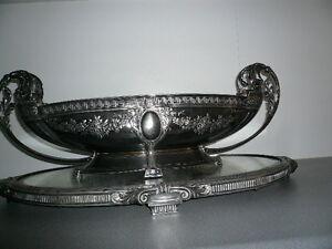 Presentoir-milieu-de-table-en-metal-argente