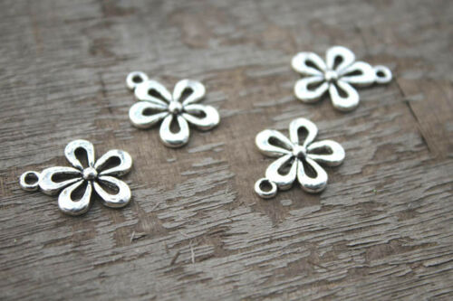 Daisy Charms 18x15mm 25pcs Silver tone Daisy flower Charms Pendants