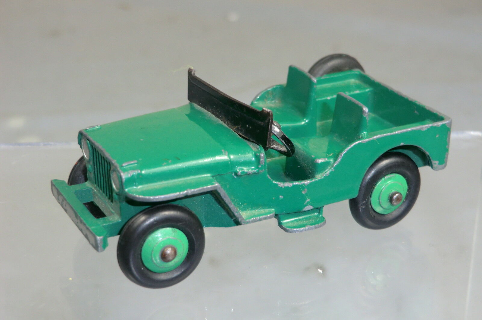 DINKY TOYS MODEL MODEL No.25Y   No.405   UNIVERSAL   JEEP   GREEN VERSION